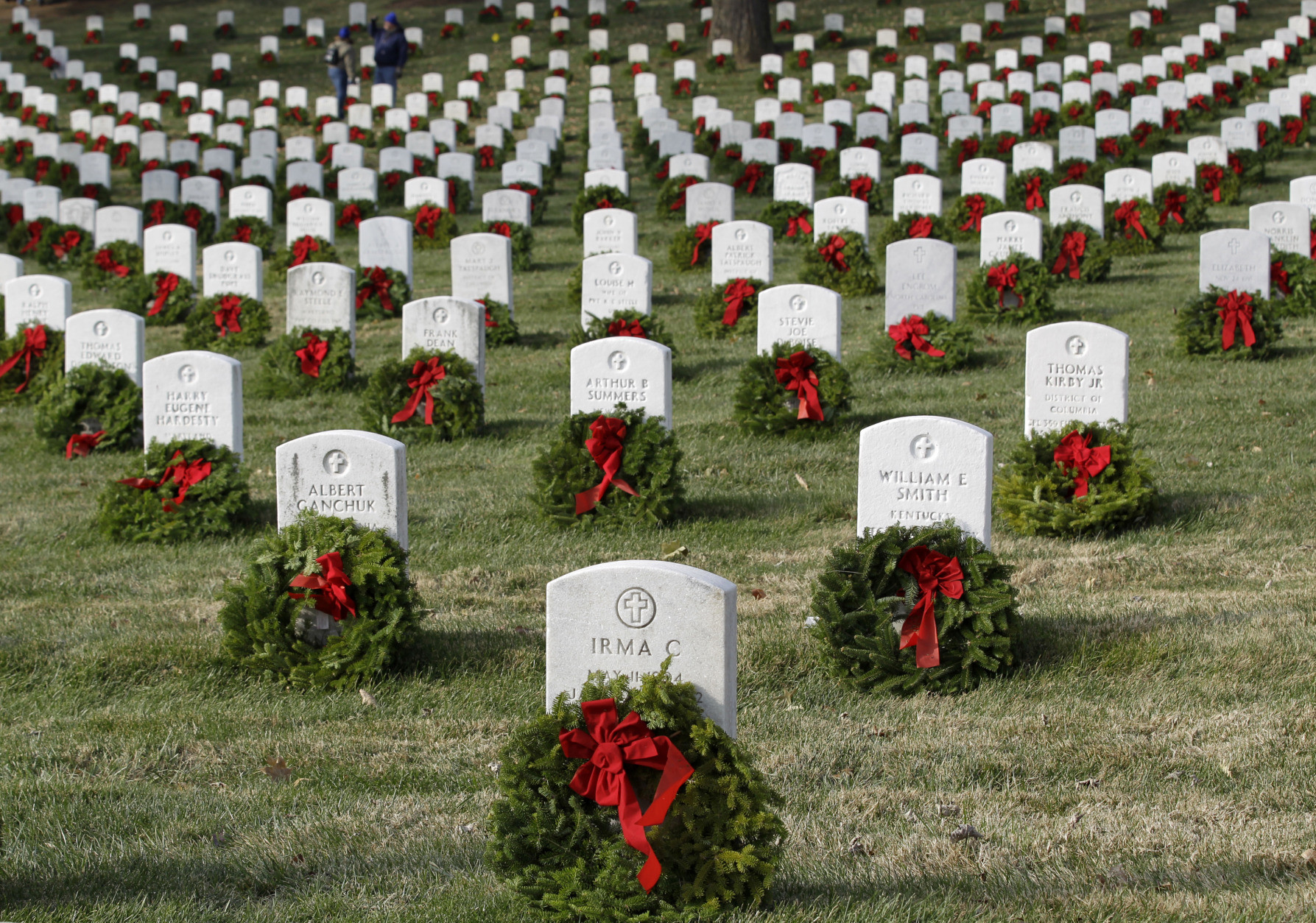 Volunteers Needed For Annual Wreath Laying At Arlington