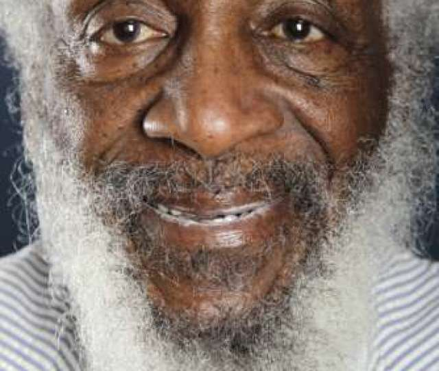 Obit_dick_gregory_04329 File In This July 21 2012 File Photo Comedian And Activist Dick Gregory Poses For A Portrait During The Pbs Tca Press Tour In