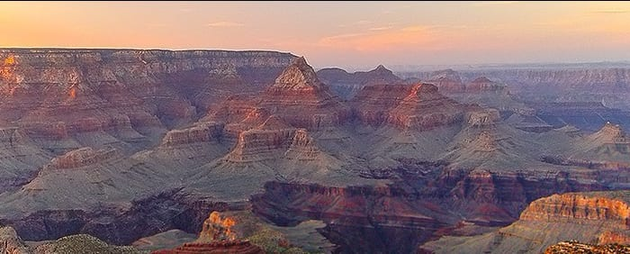 Three British killed in Grand Canyon helicopter crash