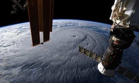 Hurricane Lane, a Monster Category 5 Storm, heads Toward Hawaii