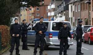 Germany has approved the extradition of an Iranian diplomat over a suspected bomb plot