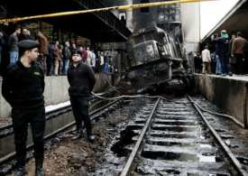25 killed as train crashes in Cairo station, erupting in flames