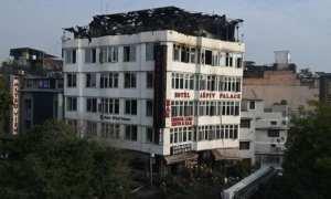 India hotel fire Kills 17 people