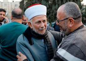 Israel arrests senior Muslim official