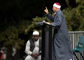 7 Days on New Zealand broadcasts the Muslim prayer live on TV