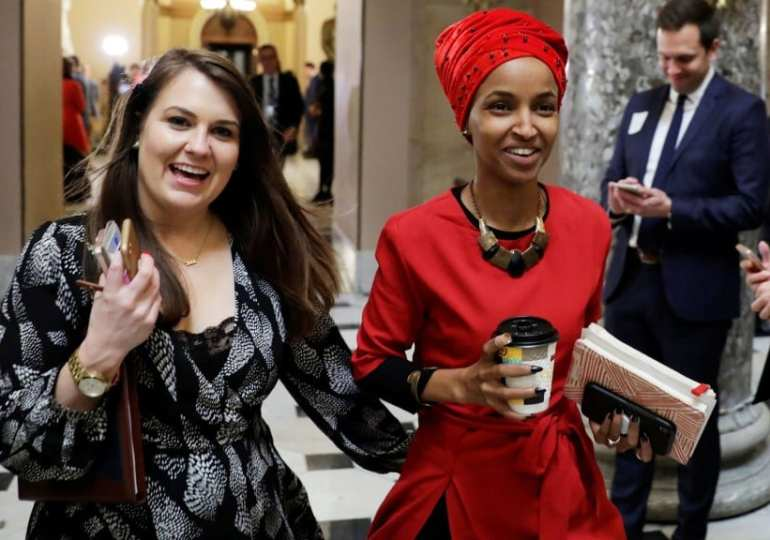 Scores of famous American Jews rally behind Ilhan Omar