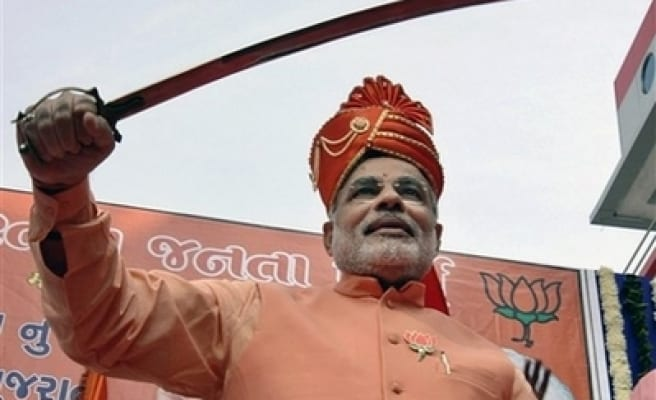 Modi silences police officer for accusing him of killing 1000 Muslims