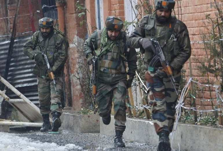 Breaking News: Indian Army shoots 10 people & Kills 1 & Pakistani Army kills 3 Indian soldiers