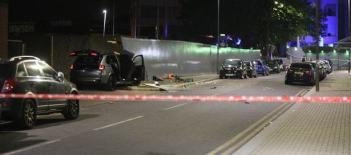 car crashes into a group fighting in london