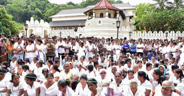 Fear stirs as Buddhist extremists hold meeting - attacks on Muslims have increased in Sri-lanka