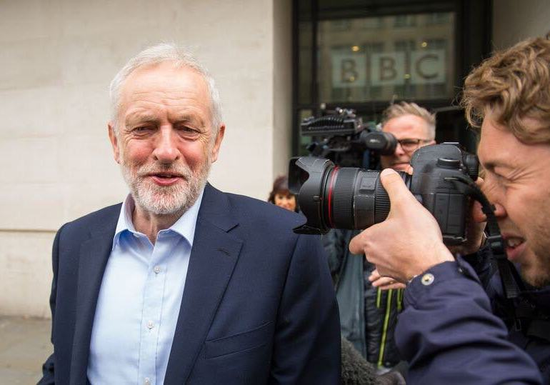 corbyn speeds up expultions of antisemetic party member
