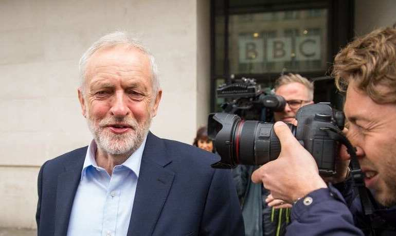 Corbyn to speed up expulsions of anti-Semitic party members
