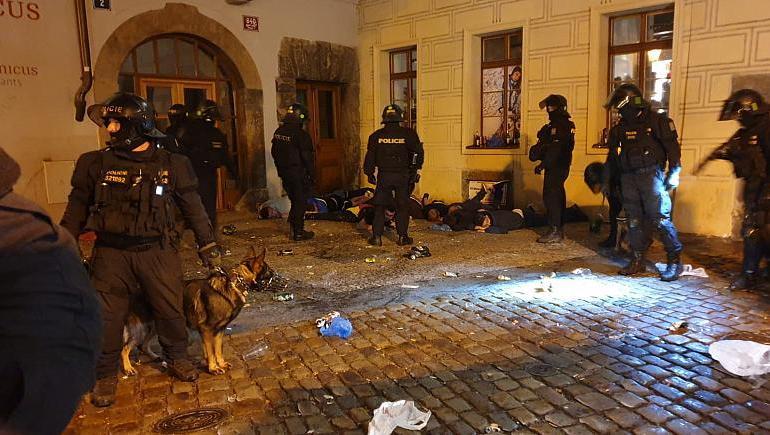 Czech police arrest 31, after Euro 2020 qualifier against England