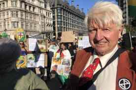 Boris Johnson's father praises Extinction Rebellion 'crusties' as arrests hit 800