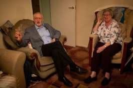 Labour vows to save free TV licenses for over-75s