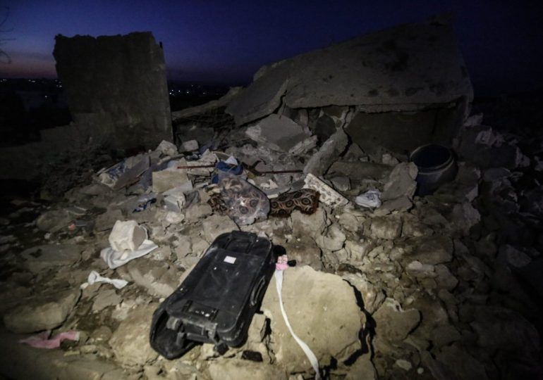 16 civilians killed in syrian camp for the displaced