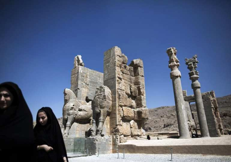 Esper contradicts Trump - says US wont target cultural sites