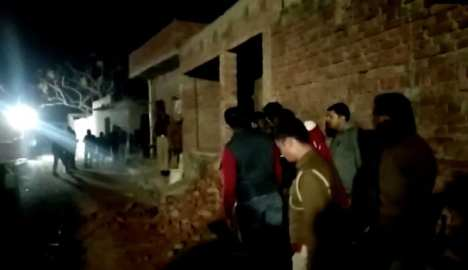 police in india kill man holding 20 hostages
