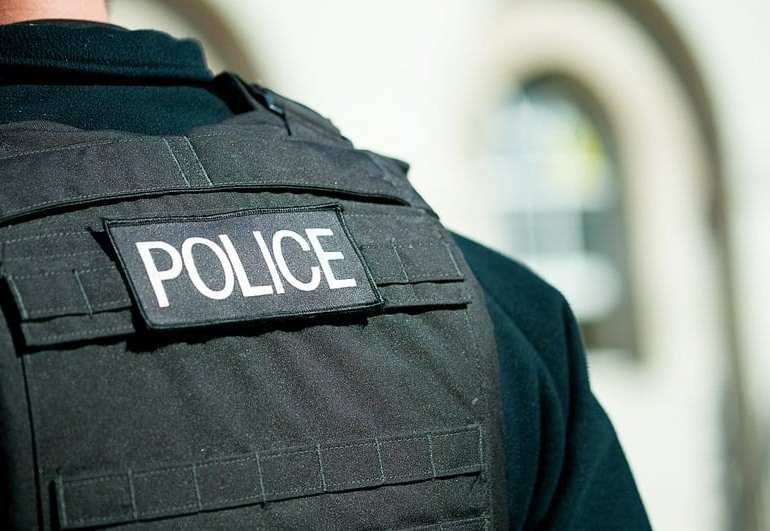 40 arrested in UK crakdown on courier fraud