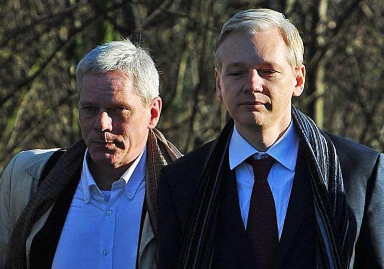 wikileaks twitter frozen just before Julians hearing