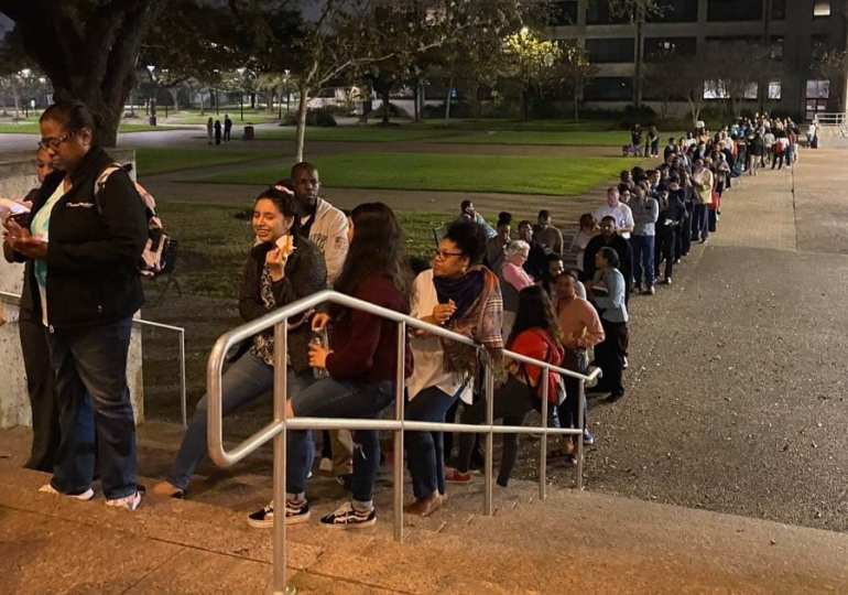 Bernie wants Cali poll stations to stay open for longer