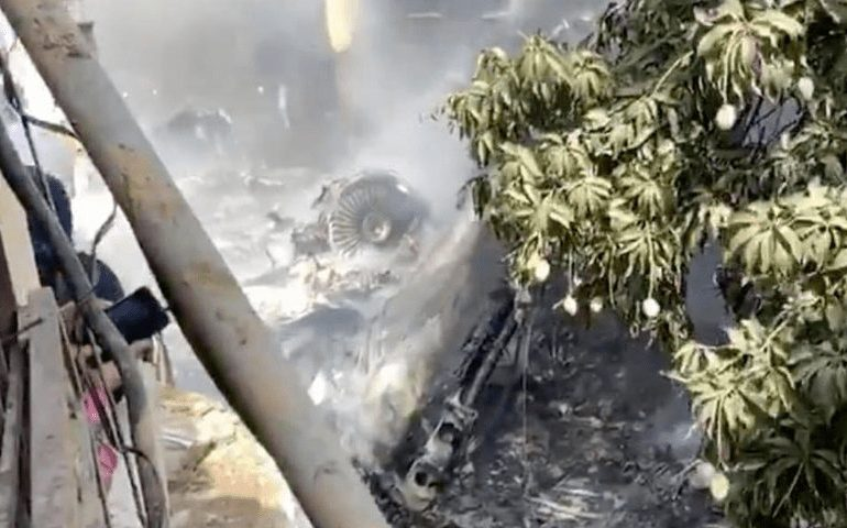 LIVE VIDEO: PIA passenger plane crashes into homes in Karachi