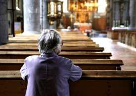 UK Places of worship to reopen for private prayer