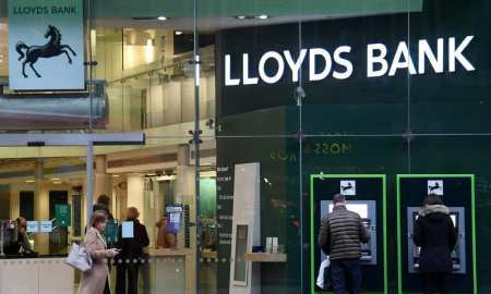Lloyds bank loses £676m as it warns the cost of Covid-19