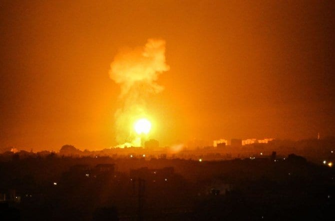 Israeli warplanes strike Gaza - Relentlessly bomb Gaza a week after the UAE deal