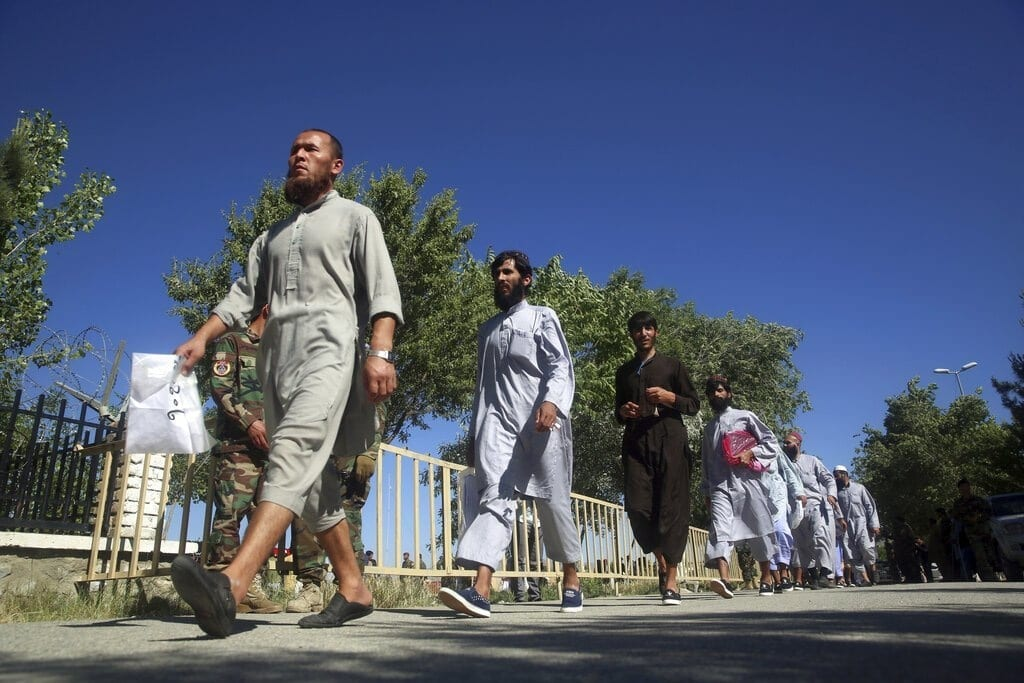A critical stage - Afghan releases prisoners