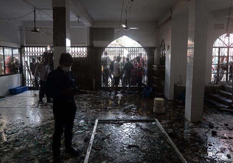 17 worshippers dead in Bangladesh mosque gas blast