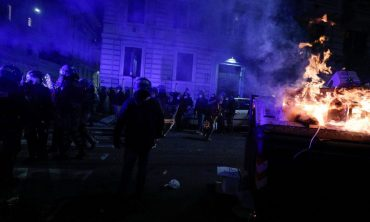 Italian police clash with protesters