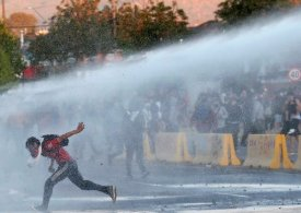 Violent rallies in Chile raise fears over referendum vote