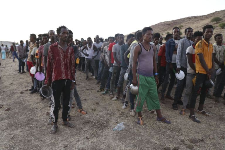 Ethiopia: aid workers report chaos as thousands flee fighting