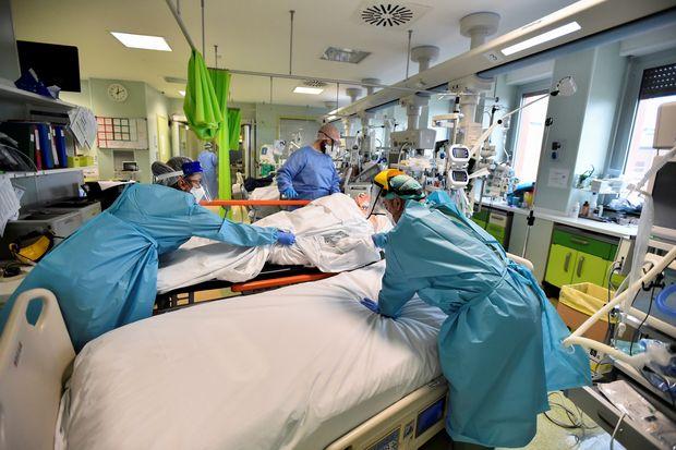 Hospitals face 'pressure' as coronavirus cases rise