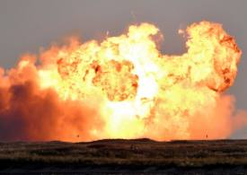 Watch SpaceX prototype launch and then explode after 6 mins