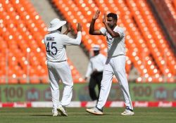 Ravichandran Ashwin took 3 wickets for India against England in day 1 of test 4