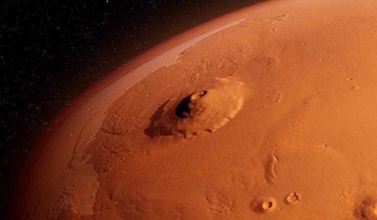 Historic NASA Mars landing - 'fleet of Martian drones in decades to come'