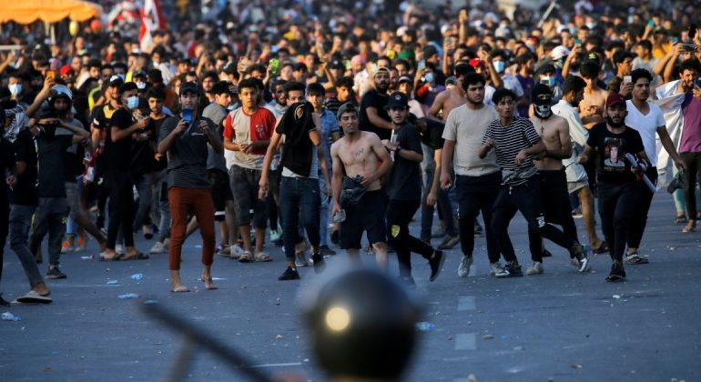 Iraqi protester killed, dozens injured at Baghdad rally