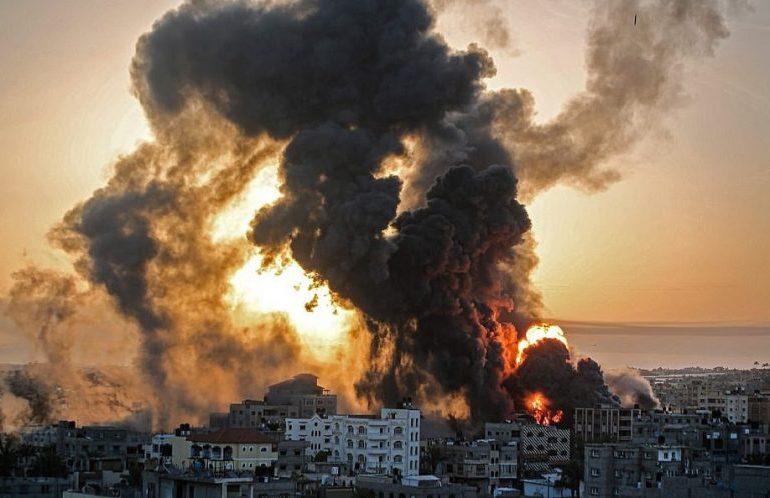 "Israel-Gaza: UN fears ""full-scale war"" as violence escalates"