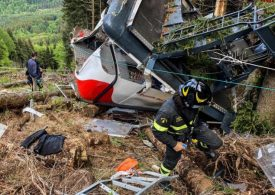 14 dead in Italy cable car tragedy