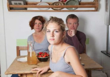 No increase in young adults living with parents after Covid, UK study finds
