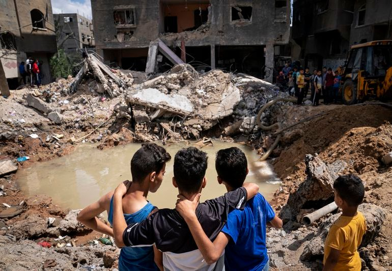 200,000 Palestinians in need of health aid - WHO