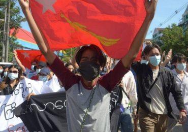 Communities across Myanmar taking up arms to resist Junta
