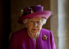 Magdalen College Oxford to remove Queen's portrait over colonial links