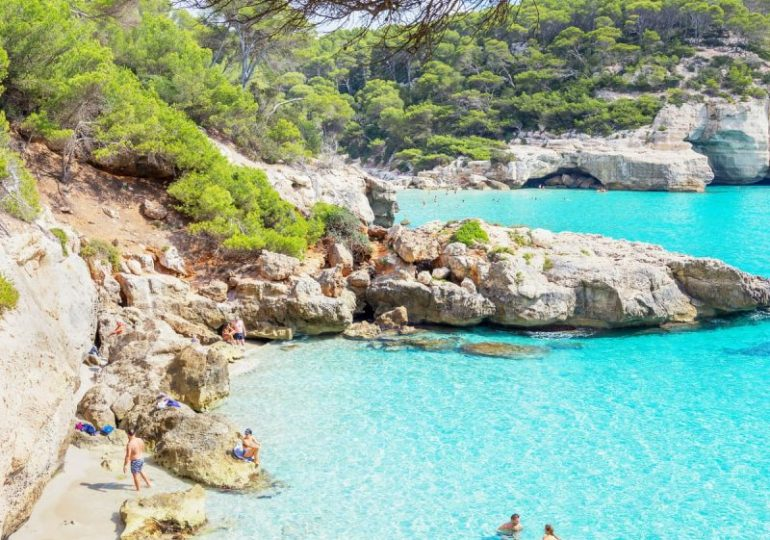 Mallorca's green light threatened by Covid cases from beach parties