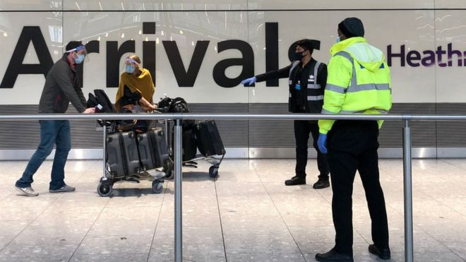 Covid: Heathrow to trial fast-tracking vaccinated arrivals