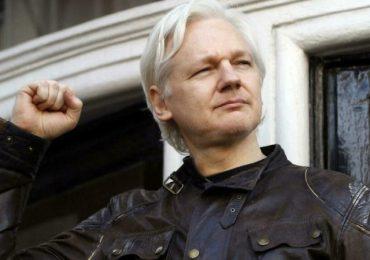 Julian Assange stripped of citizenship by Ecuador