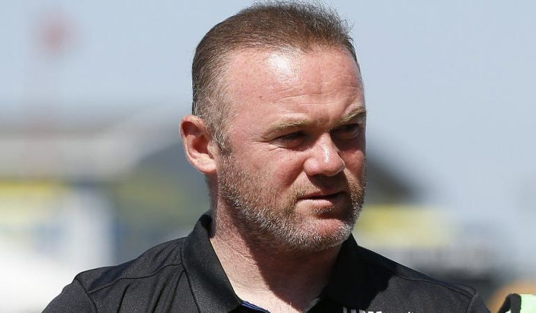 Wayne Rooney: Police drop blackmail complaint over viral pictures