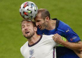 Footballs need a dementia warning, says expert